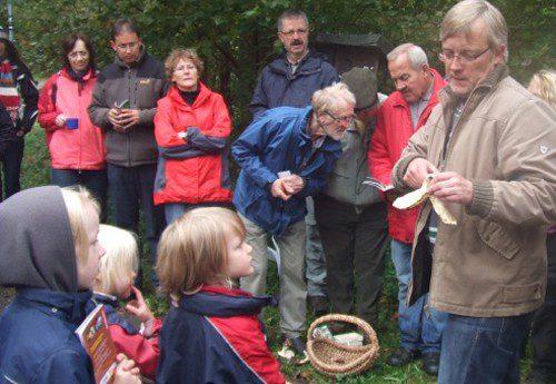 Herbstzeit ist Pilzzeit – über 50 Teilnehmer aller Generationen bei Pilzführung in Rhode