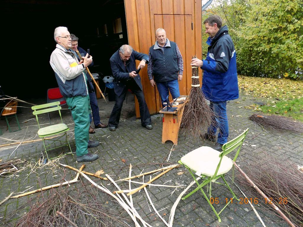 Kurs: Reisigbesen binden - Olpe biologisch